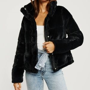 Mini Faux-Fur Puffer Jacket Abercrombie & Fitch
